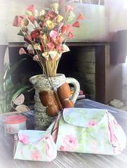 NCeSSaIrE & NiQuElEiRa (DoNa BoRbOlEtA. pAtCh) Tags: flores flower handmade niqueleira ncessaire donaborboletapatchwork denyfonseca