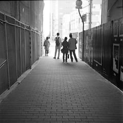 waiting (komehachi888) Tags: kobe yashicad selfdeveloped kodaktrix400 streetcandid filmshots yashikor80mmf35