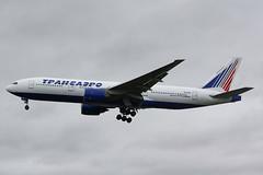 1999 Transaero Boeing 777-222 EI-UNW on short finals to London Heathrow Airport as 'TRANSOVIET 333' inbound from Moscow. (anorakin) Tags: plane heathrow aircraft jet aeroplane airliner boeing777 twinjet transaero eiunw