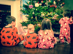 Christmas Eve (robert_goulet) Tags: christmas leica eve boy tree kids lumix 14 patrick olympus panasonic micro adrian summilux pajamas dg omd 25mm crough m43 mft fourthirds em5