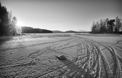 Lake is Frozen (@Tuomo) Tags: winter sun lake snow ice zeiss finland nikon jyväskylä frozenlake distagon päijänne d600 contralight 28mm2 zf2 hollywooddistagon