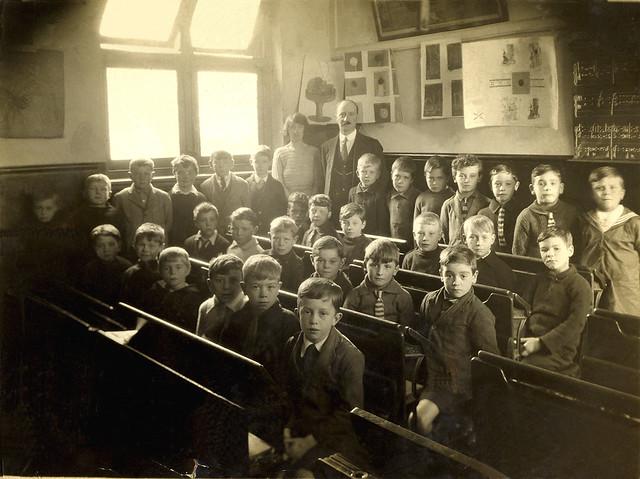 19201101RAWschool