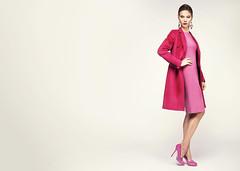 Пальто Joseph, платье Marc Cain, туфли Sergio Rossi, серьги собственность стилиста