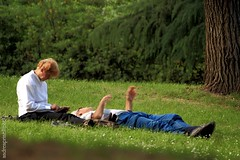 Relaxing (andreaprinelliphoto) Tags: parco relax milano relaxing riposo siesta vitadaparco andreaprinelliphoto andreaprinelli prinelli