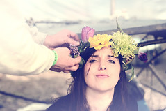 Flower power ! (Malle Caborderie) Tags: portrait flower colors girl face rose festival nice scary hands nikon hand yeah lol great crown moment lovely tulipe bellastock d300s