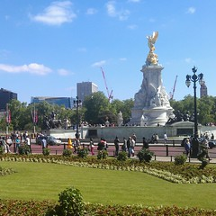 169: Queen Victoria Memorial (derickrethans) Tags: lifeline flickrandroidapp:filter=none