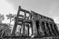 Roofless (mephistofales) Tags: ancient southeastasia khmer angkorwat unescoworldheritagesite jungle temples relics angkorthom camboida