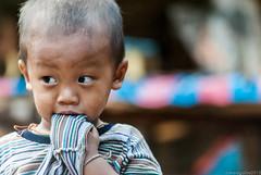 Faces of Thailand (Perluti) Tags: poverty face children thailand nikon asia southeastasia flickr child cara sigma tailandia thai 70300mm nio rostro pobreza haurra aurpegia d3000 perluti mikelaguirre