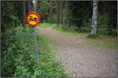 Mopeds with loaf seat are forbidden in this forest (karlstad Igår) Tags: karlstad canonef2470mmf28l fenan canoneos6d