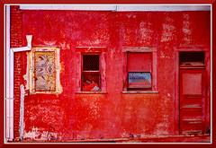 Sacramento_0137d (bjarne.winkler) Tags: red building abandon sacramento bats