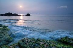 North Coast, Taiwan _IMG_4818 (Len) Tags: sea sky seascape clouds sunrise landscape daylight  taiwan  seacoast daybreak cpl 6d northcoast        blackcard            ef24mmf14liiusm 24lii   newtaipeicity northcoastguanyinshannationalscenicarea