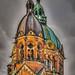 München, evangelisch-lutherische Pfarrkirche Skt Lukas, rechter Kirchturm und Vierungskuppel -- Munich, Evangelical Lutheran parish church Skt Luke right steeple and cupola