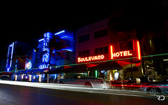 Boulevard Hotel (Raph/D) Tags: ocean county city blue light red usa motion art beach colors car night america canon pose eos lights drive hotel coast us long exposure boulevard slow florida miami district south united famous trails convertible illuminated historic east 7d rolls fl states miamibeach deco luxury catchy southbeach royce coup colony sobe dade drophead canoneos7d