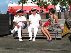 008 - Les marins et la dame