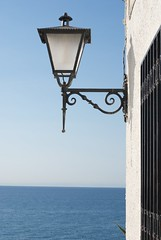 Luz (José Ant.) Tags: luz mar pueblo amanecer farol farolas