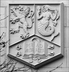 Birmingham University Coat of Arms (alanhitchcock49) Tags: birmingham university sculpture trail february 2017 coat of arms