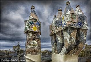 Xemeneies Casa Batlló. (Barcelona - Catalunya).                        (Antoni Gaudí).