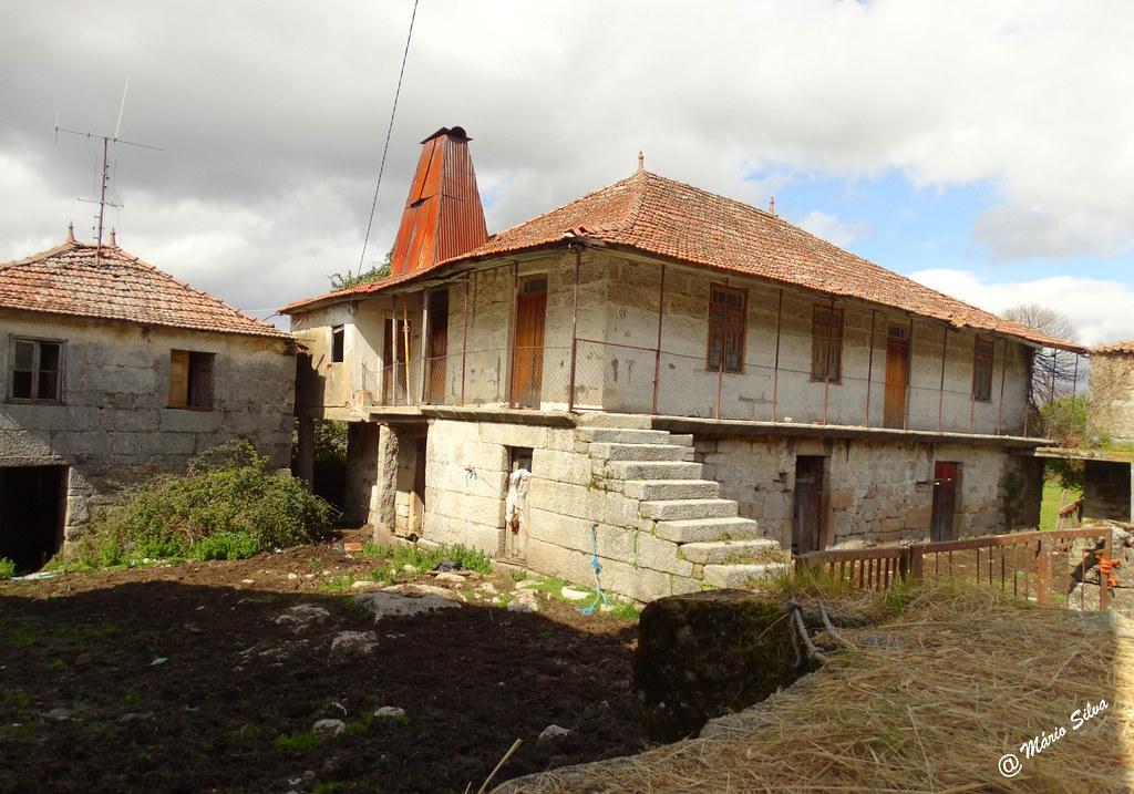 Águas Frias (Chaves) - ... casas !!!...