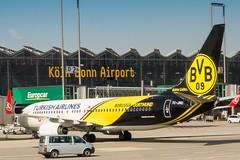 Borussia Dortmund (Lens Daemmi) Tags: fuji cologne finepix fujifilm boeing airlines dortmund turkish x10 737800 borussia kölnbonn tcjhu