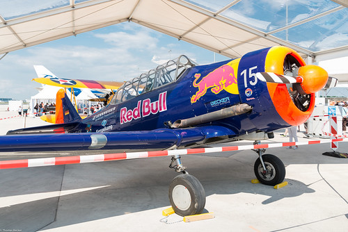 North American T-6 Red Bull (832363)