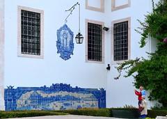 Lisbon : Santa Luiza church / Azulejos   2/2 (Pantchoa) Tags: lisbon lisboa portugal nikon d90 nikkor 1685f3556gedvr alfama district santaluiza church igreja azulejos titles blue lantern lanterna flickrcolour ringexcellence pantchoa pantxoa franoisdenodrest
