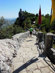 20130812_051 Repubblica San Marino (Frabjous Daze) Tags: mountain sanmarino monte threetowers vuori witchpath repubblicasanmarino montetitano kolmetornia noidanpolku