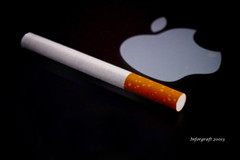 Adiccion (INFORGRAFT) Tags: apple manzana tobacco tabaco adiccion aparentar