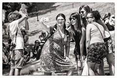 say cheese (Gerard Koopen) Tags: street people bw paris france nikon îledefrance candid streetphotography frankrijk parijs 135mm saycheese streetshot selfie straatfotografie 2013