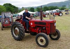 International B275 (andyflyer) Tags: tractor fife farming international ih farmmachinery internationalharves