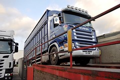 G & J. Park Livestock's G6 EWE, reversing off a inspection ramp, at the Carlisle dealership. (Raymondo166) Tags: park up j photo ramp looking no g low inspection off gretna chassis g6 reverse livestock reg carlisle dealership carefully scania reversing livery ewe rigid kingstown 6x4 liveried