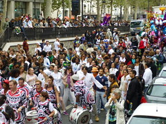 "paris 010 <a style=""margin-left:10px; font-size:0.8em;"" href=""http://www.flickr.com/photos/104703188@N06/13114963424/"" target=""_blank"">@flickr</a>"