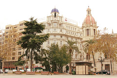 valencia (Biancabltran) Tags: city espaa valencia spain bonito ciudad walker beuaty