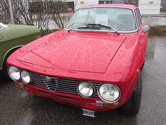 Alfa Romeo 2000 (v8dub) Tags: auto old classic car automobile 2000 voiture alfa romeo oldtimer oldcar coupé collector bertone wagen pkw klassik