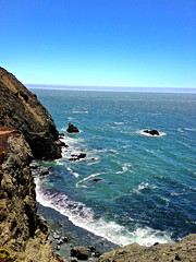 bonita (jenaec) Tags: ocean life sanfrancisco california blue sea summer sky cliff lighthouse hot green love beach water beautiful skyline bay coast sand perfect rocks waves windy bayarea sanfranciscobay sausalito 415 pointbonitalighthouse bonitapoint bonitapoiint