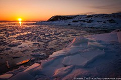 Sunset over the Helsinki sea ice (Francis Cassidy) Tags: sunset snow cold weather finland helsinki freezing suomenlinna seaice strayphotographer