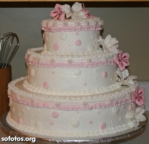 Bolo de casamento branco e rosa