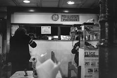 (whachadoin) Tags: blackandwhite blancoynegro film analog analogica