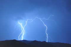 Orage Marseille le 06-10-13_011 (aups83) Tags: longexposure nightphotography storm rain night clouds marseille nikon pluie lightning nuages marseilles d90 foudre poselongue photographienuit