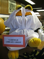 Halloween Decorations 2013 Exeter (Tulare County Library) Tags: california autumn decorations fall halloween holidays libraries exeter holidaydecorations halloweendecorations publiclibraries 2013 tularecountylibrary exeterbranchlibrary
