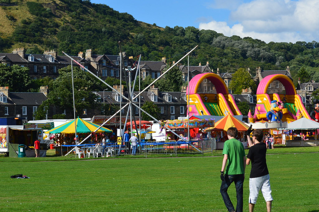 Around the fair at At the beach in Burntisland