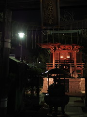 (Neconote) Tags: leica japan tokyo shrine f14 olympus summilux omd 25mm fukagawa fukagawafudoson inarishrine em5