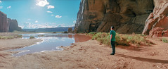 It's Mike in Monument Valley (flippers) Tags: vacation arizona usa mountain holiday mountains film mike rock america 35mm unitedstates desert horizon wide roadtrip panoramic swinglens navajo monumentvalley horizonperfekt oljatomonumentvalley istsébii'ndzisgaii