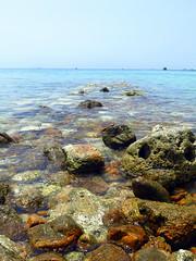 (LILI 296 ...) Tags: eau ile thaïlande reflet kohphangan rocher clarté océan limpide canonpowershotg16
