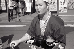Food delivery, Shinjuku (View Master 187) Tags: leica yellow japan 50mm close near dr delta 11 m summicron filter 100 f2 dual m3 range ilford 20c focusing leitz microphen 10min