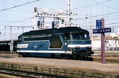Bordeaux-St-Jean 05.08.2003 (The STB) Tags: bordeaux stjean sncf bb67400 67400