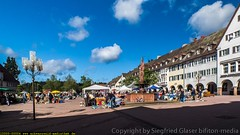 Freudenstadt oberer Marktplatz (bifiton-media) Tags: fountain deutschland brunnen marketplace arcades schwarzwald marktplatz arkaden huser trdelmarkt badenwrttemberg freudenstadt oberermarktplatz