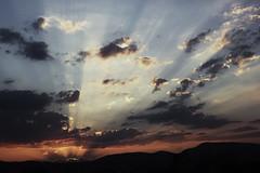 (L'oiseau d'Hermes) Tags: sunset clouds canon warm 550d t2i