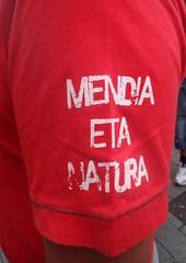 04 FIESTAS VITORIA 2013 - Social (Fotos de Camisetas de SANTI OCHOA) Tags: paisvasco ecologia euskera
