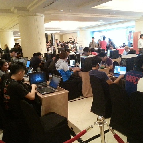 Geng elite untuk war of the World... capture the flag, power ni... #HiTB2013KUL #Hacker