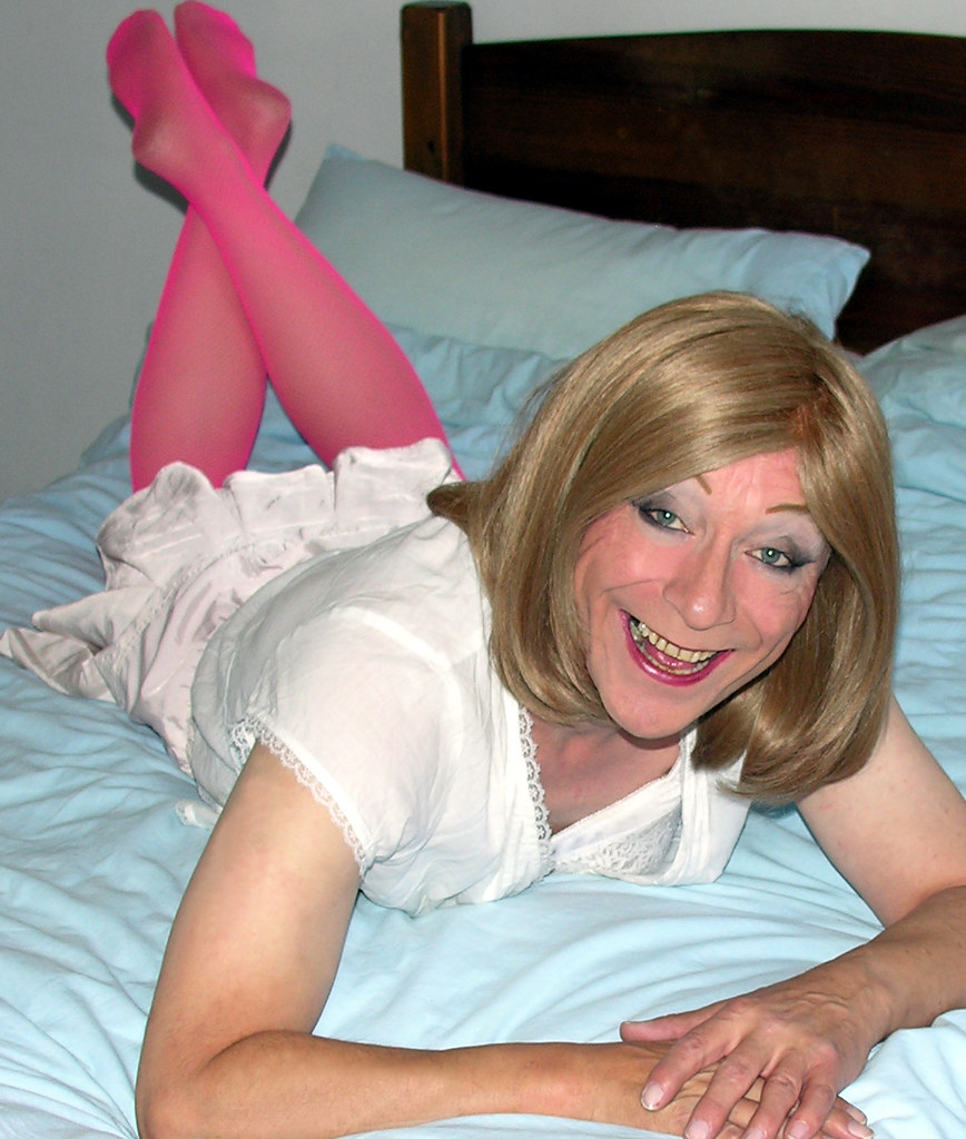 Crossdresser Saugen Hahn frei Video